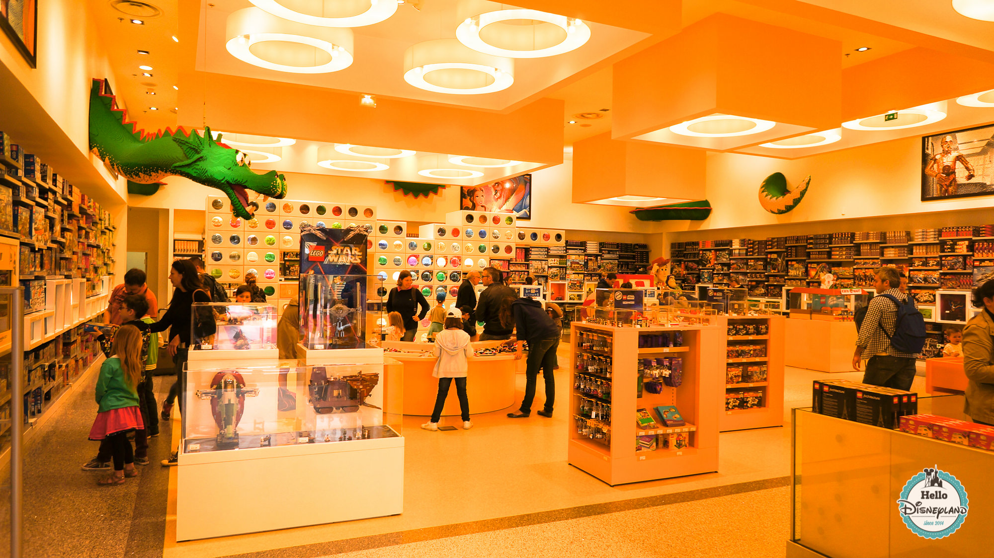Lego Store - Disney Village